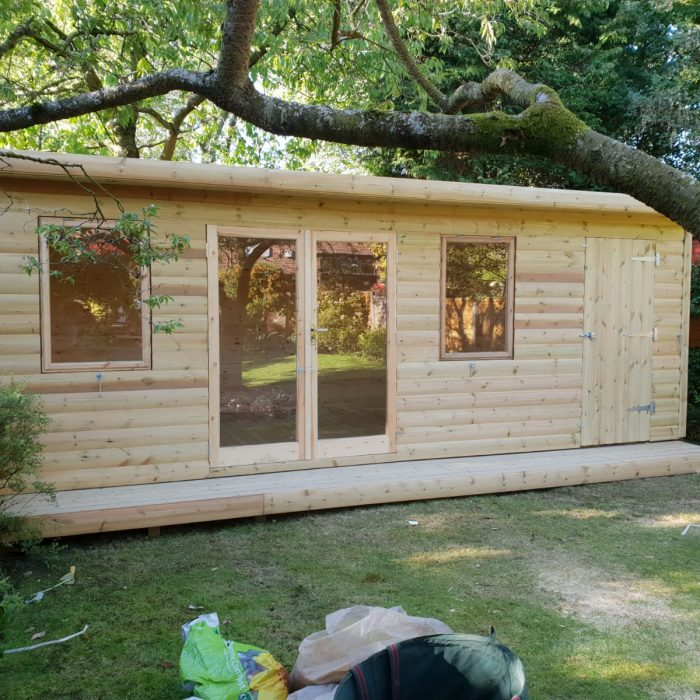 Log Lap Garden Room